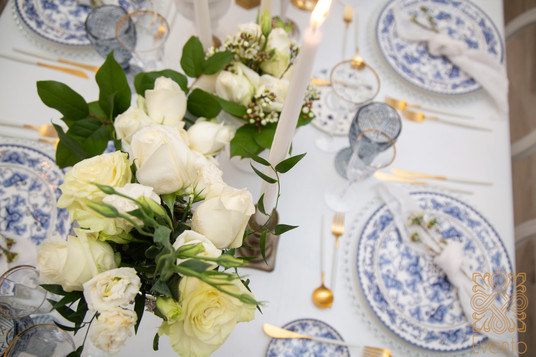 Blue and white tabletop courtesy of Plateoccasions