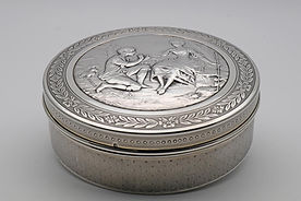 Engraved silver box by Schweitzer and Fort.  Paris c.1905
