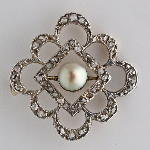 Small Georgian brooch of a pearl and diamonds