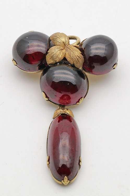 19th century garnet cabochon gold brooch
