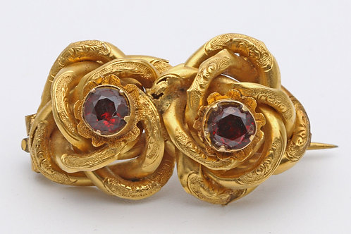 Victorian gold brooch with garnets