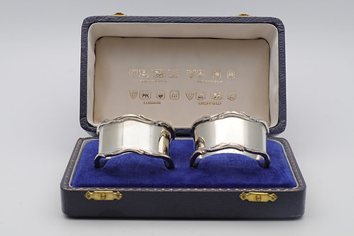 Boxed pair of Silver Napkin Rings
