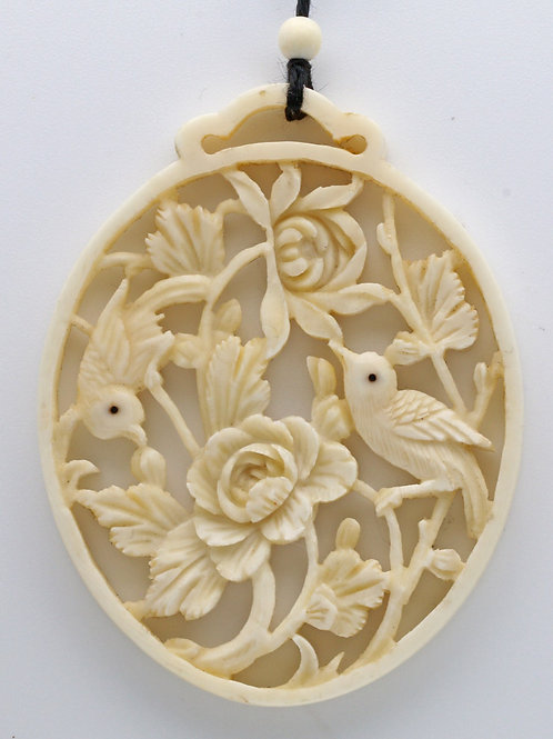 Victorian carved ivory pendant