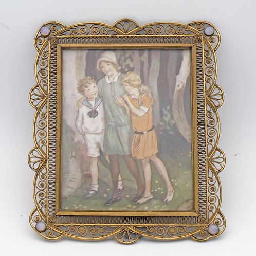 Filigree photo frame