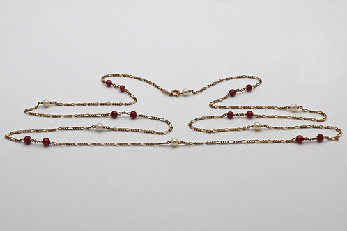 Gold, pearl and garnet chain