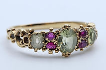Delicate 15ct Georgian ring   set with rose-cut pink and green tourmalines