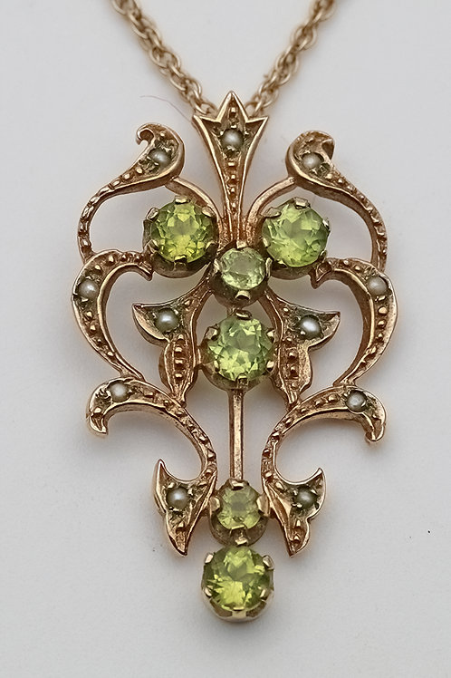 Art Nouveau gold, seed pearl and peridot pendant and chain