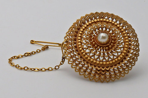 19th century gold and pearl brooch