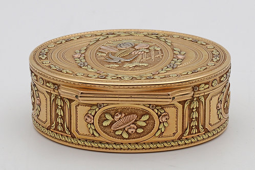 18th century French three-colour gold oval box