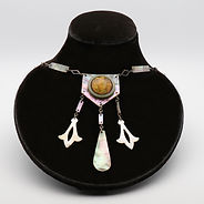 Aer Deco French mother-of-pearl sautoir necklace with ornate five-sided pendant