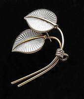 Albert Scharning silver spray brooch  £55
