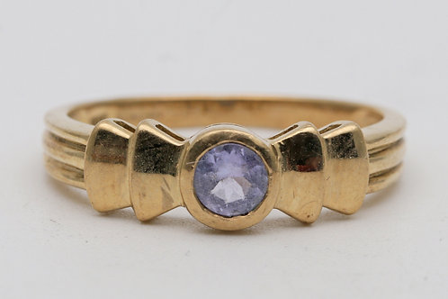 Vintage gold and tanzanite ring
