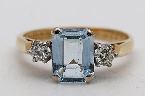 Aquamarine and brilliant-cut diamond ring