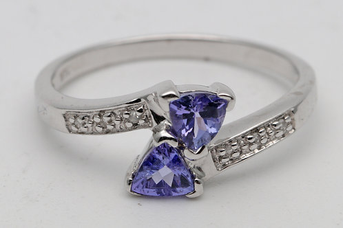 Vintage gold tanzanite ring