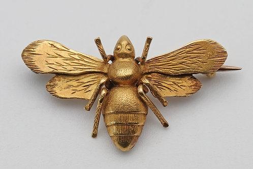 Art Nouveau gold bee brooch