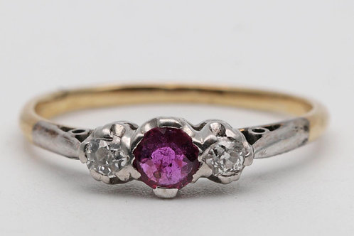 Antique Art Deco ruby and diamond ring