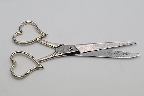 Rare Victorian 'witch's' scissors