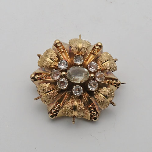 Victorian green beryl gem gold brooch