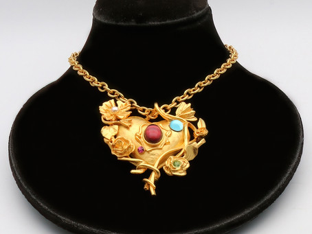 What is costume jewellery?