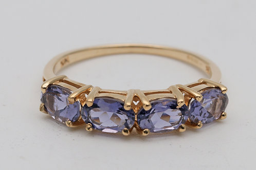 Vintage 14k gold ring of tanzanites