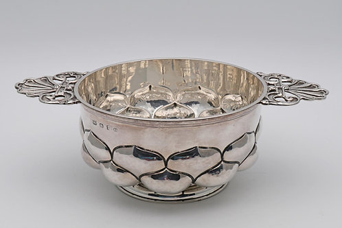 Arts and Crafts silver porringer