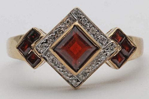 Vintage garnet and diamond gold dress ring
