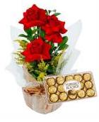 Arranjo com 03 rosas especiais + Ferrero Rocher