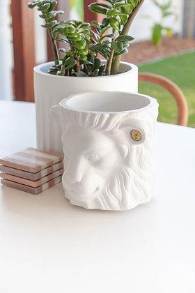 White Lion Pot