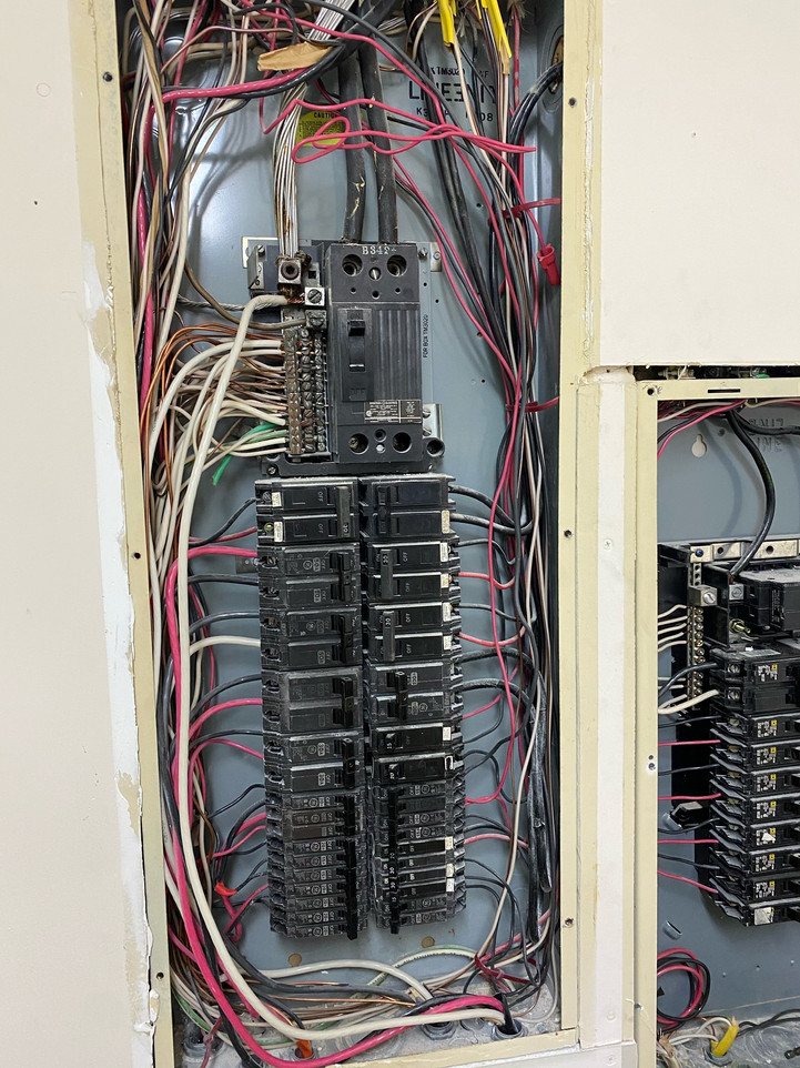 An old eletric panel