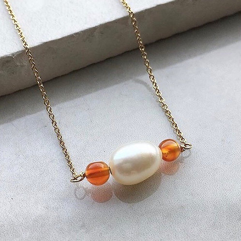Pearl and Carnelian Gold Necklace