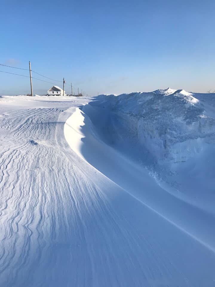 Le chemin ensevelie sous la neige