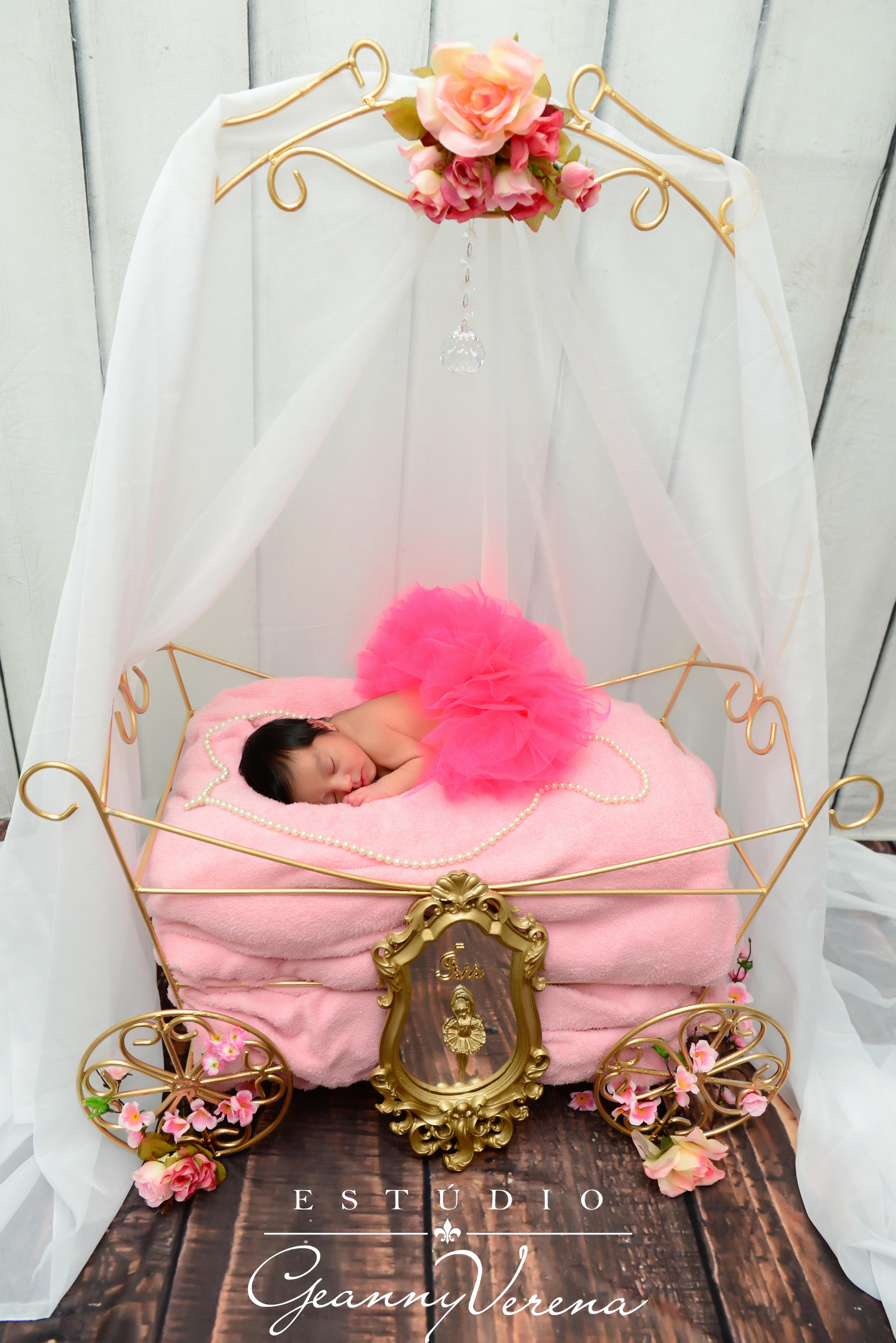 Newborn Ìsis (1010)
