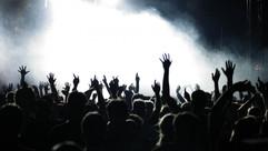 people_hands_concert_music_crowd_80452_1