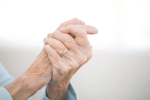 Managing joint pain in the upper limb