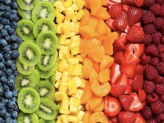 ¿Cenar fruta engorda?