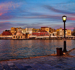 old-town-harbour-in-chania.jpg