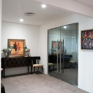 Entrance Meeting Room 1.jpg