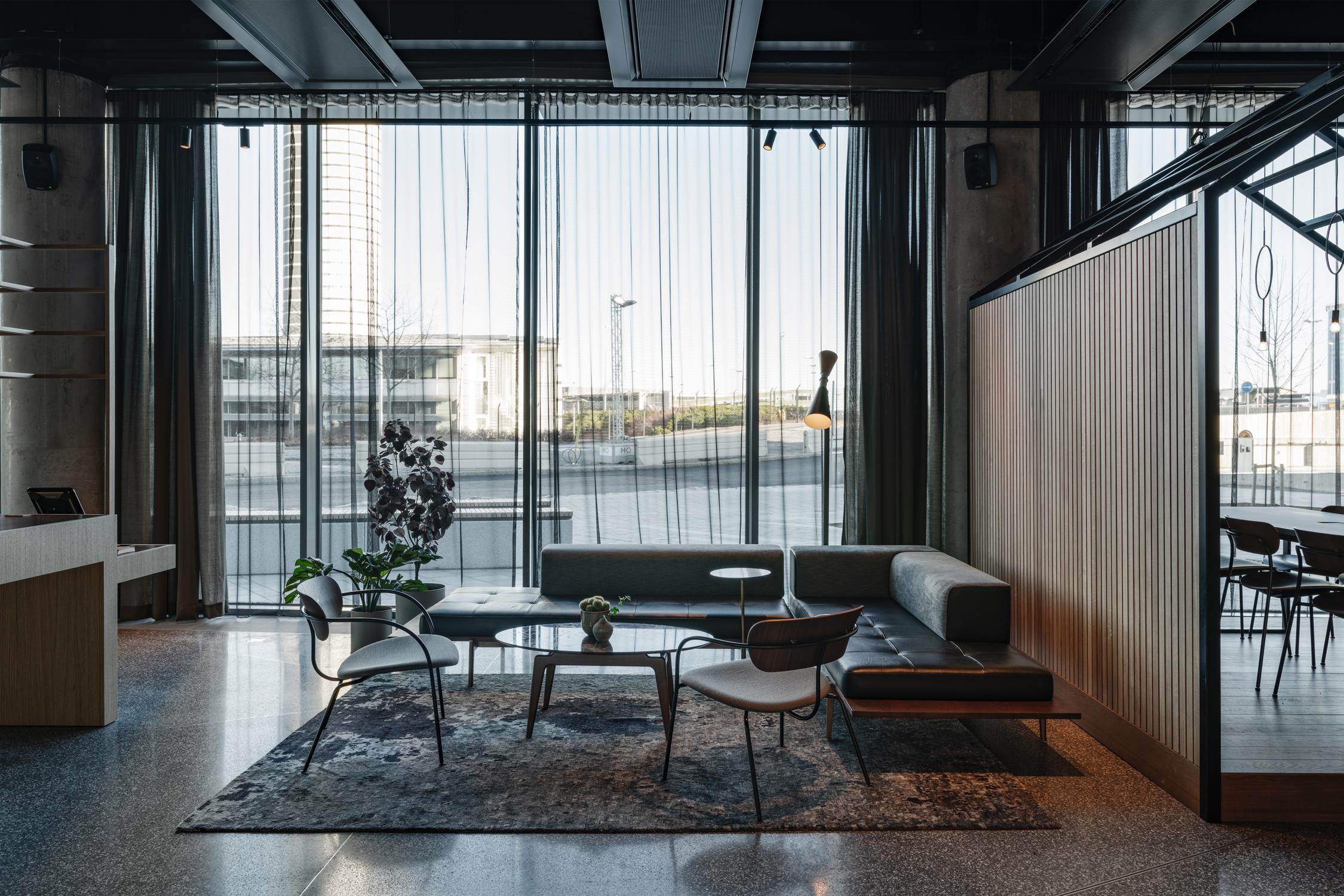 010_comfort_hotel_arlanda_lobby