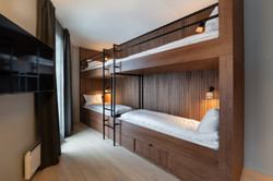bunk beds-4-connecting-quality-hotel-riv