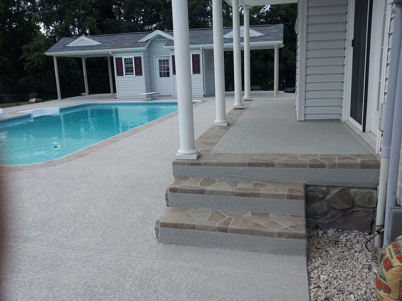 BRONZE (tie)  POOL PATIO