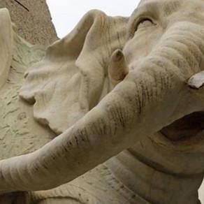 """Monumenti storici sfregiati. La polizza """"All Risks"""" per le opere d'arte può coprire i danni"""