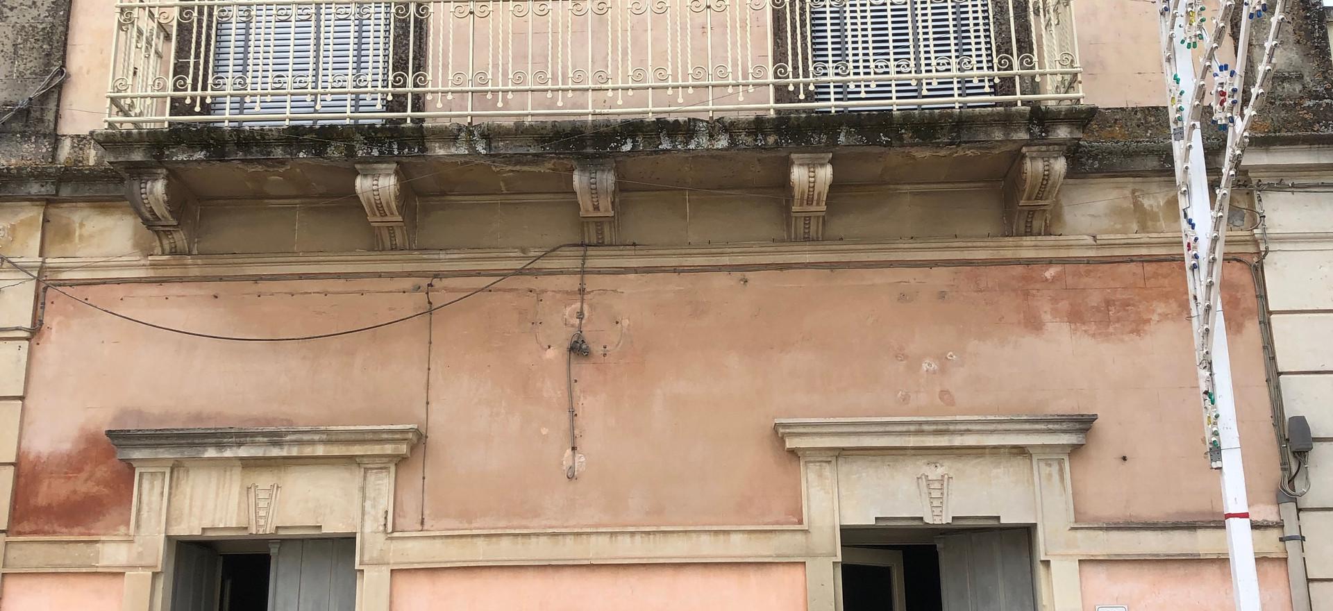 Via Roma Entrance