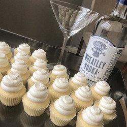 It's #thirstythursday so treat yourself to #vanillamartini cupcakes made with #wheatley #vodka