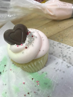 Cupcake class IMG_7072.jpg