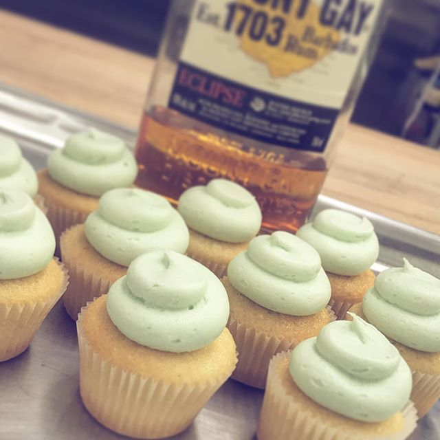 We transformed a classic summer drink into an even more fun #cupcake, check out our #daiquiri inspir
