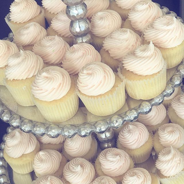 #tequilasunrise cupcakes made with #corazon #reposado, #grangala orange liqueur and grenadine