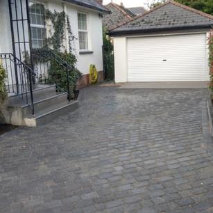 Brick paved patio example in Topsham, Devon