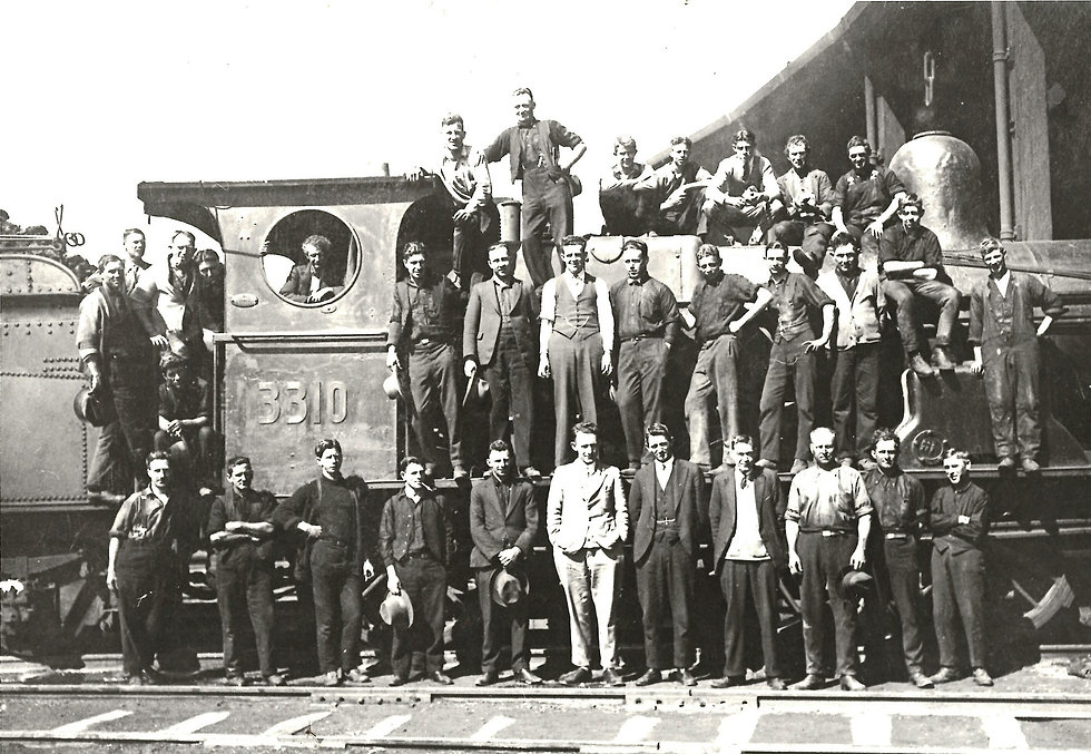 Cowra-Loco-Group-Photo-Circa-1930.jpeg