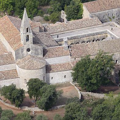 thoronet-abbaye-cistercienne-1.jpg