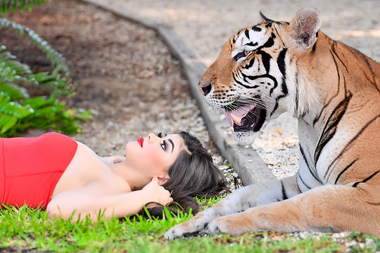 quinceanera with tiger at secret garden